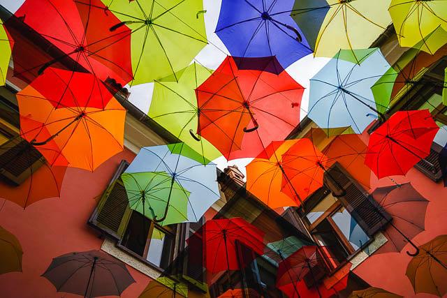 Regenschirme II